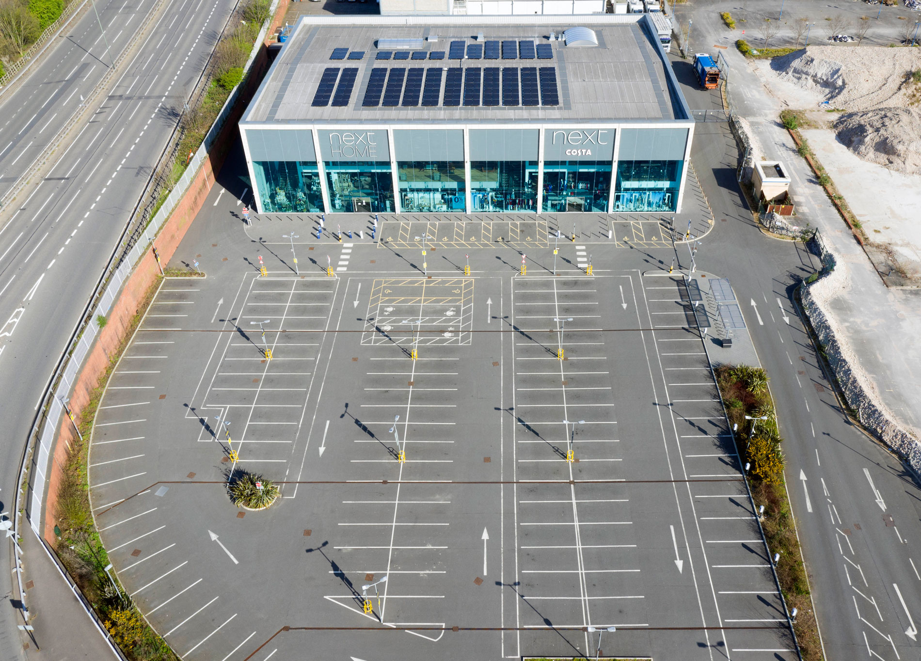 South London Retail Park 1st Day of Lockdown