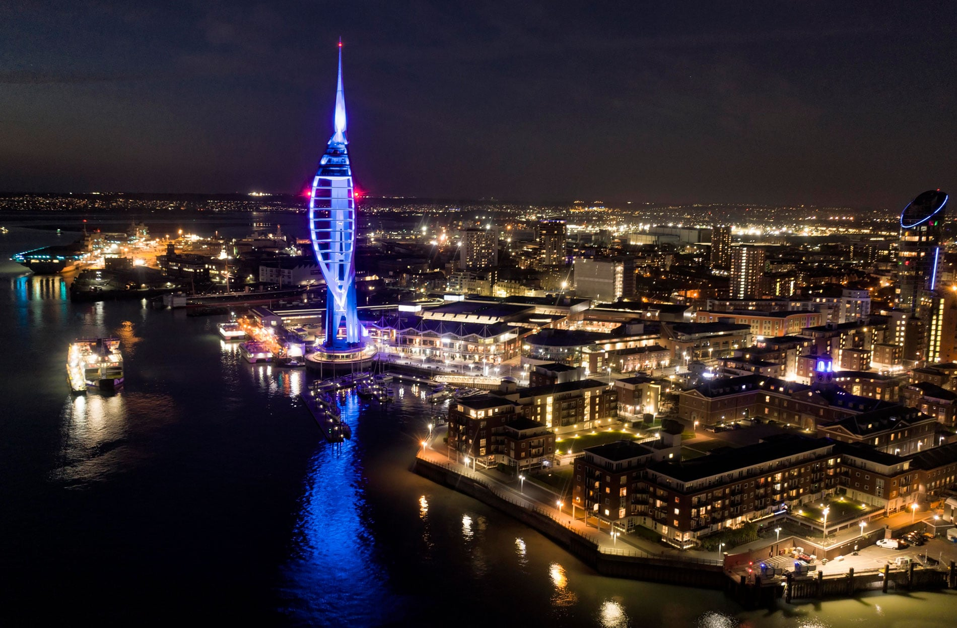 Portsmouth pays tribute to the NHS